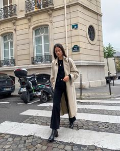 Boho Fashion Summer, Summer Fashion Outfits, Look Fashion, Winter Outfits, Autumn Fashion, Minimalist Fashion French, Minimal Fashion, Parisienne Chic, Trench Coats