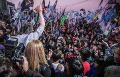 """CON CRITICAS A MACRI MAXIMO ENCABEZO EL HOMENAJE A NESTOR KIRCHNER      Con criticas a Macri Máximo encabezó el homenaje a Néstor Kirchner En el acto en Villa Palito en el partido de La Matanza exigió: """"Señor presidente escuche a la gente y no a sus asesores"""". A 6 años de la muerte del expresidente Néstor Kirchner Máximo Kirchner criticó al gobierno de Cambiemos y llamó a la unidad: """"Hay que construir una organización popular"""". """"No hay que simular viajes en colectivo no hay que caer en la…"""