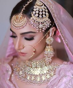 Bridal Makeup looks which rocked the 2018 Indian Wedding Season – Bridal Makeup – Bridal Eye Makeup Pakistani Bridal Makeup, Best Bridal Makeup, Bridal Makeup Looks, Bridal Looks, Bridal Style, Wedding Makeup, Bridal Dupatta, Bridal Beauty, Bridal Make Up