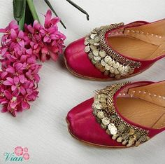 Ideas for indian bridal suits sisters Bridal Sandals, Bridal Shoes, Wedding Shoes, Bridal Footwear, Bridal Clutch, Wedding Dresses, Dream Wedding, Peacock Shoes, Indian Shoes
