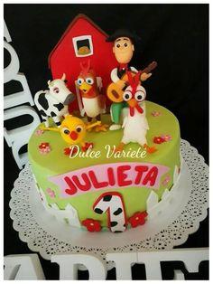 Resultado de imagen para la granja de zenon tortas Farm Animal Birthday, Farm Birthday, Birthday Cake, Barnyard Party, Farm Party, Country Themed Parties, First Birthday Party Themes, Farm Cake, Farm Theme