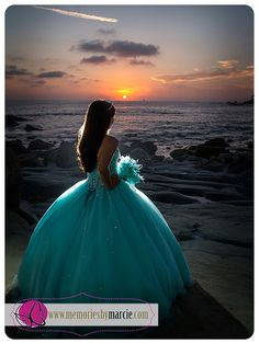 So Samantha wanted some beach sunset photos and we decided to do them after her event so we can trash that beautiful dress  Laguna Beach is one of my favorite