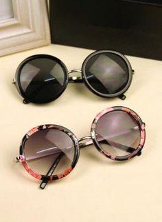 L 082403 Round frame sunglasses