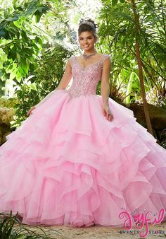 The Mori Lee Collection offers elegant and colorful quinceanera dresses and vestidos de quinceanera. These 15 dresses are perfect for your quince party! Quince Dresses, 15 Dresses, Formal Dresses, Wedding Dresses, Prom Gowns, Pretty Dresses, Lace Wedding, Tulle Balls, Tulle Ball Gown