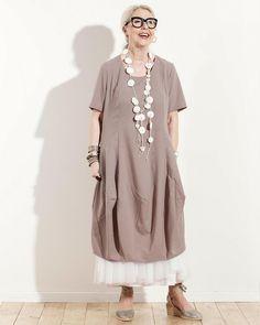 Risona / Avant Garde Styles   Atelier Designers