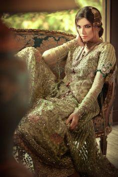 design by Elan of Pakistan. One of my favourite Pakistani designers...