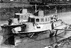 AB-Tei is a fire-support vessel for the landing operation. It has three turret and each turret is equipped with one 57mm tank gun or one twin 7.7mm MG. Turrets and a steering house are covered with 6mm-thick armor.  AB-Tei was used for the landing operation and patrol in China and in the Pacific War.