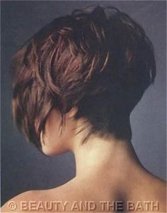 Love the back of this bob hair style