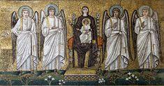 Basilica di Sant'Apollinare Nuovo, Ravenna. Mosaici dell'inizio del VI secolo. Madonna in trono con il Bambino e con gli angeli. Il periodo di Teodorico