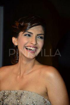 Sonam Kapoor at a L'Oreal event | PINKVILLA