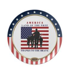 USA Patriotic Land of the Free, Thanks to the Brave American Flag and Marching Soldiers Keepsake Plate. Wonderful patriotic plate and as a gift for military friends and family or vets too! #Patriotic #Military #USA #Plate
