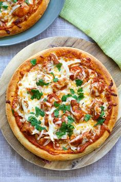 Chicken Tikka Masala Pizza - cheesy pizza topped with delicious Indian chicken tikka masala. The best homemade pizza recipe ever | rasamalaysia.com