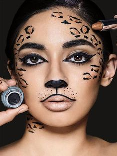 Learn how to do wild cat makeup, perfect for leopard & cheetah makeup looks, usi. Learn how to do wild cat makeup, perfect for leopard & cheetah makeup looks, using gold lipstick and black liquid eyeliner in this halloween makeup tutorial. This image Cheetah Makeup, Animal Makeup, Cat Face Makeup, Eye Makeup, Liquid Makeup, Eyeliner Liquid, Zombie Makeup, Scary Makeup, Cat Makeup Tutorial