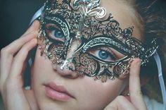 Sexy Silver Venetian Metal Laser cut Masquerade Venetian Mask with Rhinestones