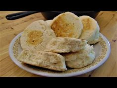 (11) Bread In 10 Minutes - No Oven - No Yeast - No Eggs - 3 Ingredients - The Hillbilly Kitchen - YouTube Vegan Peach Cobbler, Fried Bread Recipe, Bread Recipes, Muffins, Skillet Bread, Cafeteria Food, Southern Dishes, Southern Food, Vegan Bread
