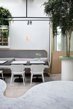Brighton's oldest coffee house, Redroaster, gets a summer makeover thanks to a Melbourne-based interior design studio, The Stella Collective. Cafe Restaurant, Restaurant Design, Restaurant Interiors, Restaurant Tables, Cafe Interior Design, Cafe Design, Interior Architecture, Cafe Seating, Banquette Seating