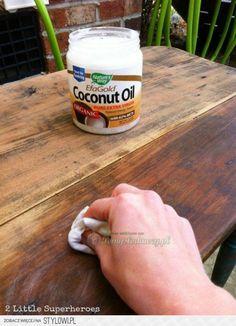 Kokosolie HOUTEN ( herstelt uw meubels  )...Voor mooie meubels.