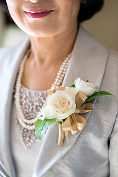Spray rose corsage (Flowers by Lee Forrest Design, photo by: KWP Weaver)