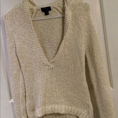 Cream American Eagle XS sweater with hood AE 100% cotton XS sweater with hood! Gently used in great condition! Low V front looks great with a cami underneath American Eagle Outfitters Sweaters V-Necks