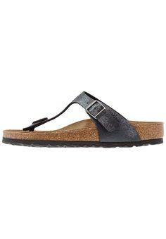 3b99d012bc7ed ¡Consigue este tipo de sandalias de dedo de Birkenstock ahora! Haz clic para  ver