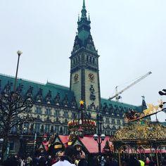 weihnachstmarkt ⭐️ #rathaus #hamburg #hansestadt #immerwiederaufeinneus #love #zweiteheimat #germany #deutschland #weihnachtsmarkt #glühweinzeit