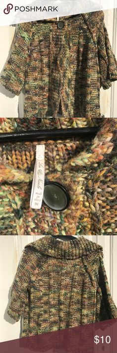 Medium knit fall cardigan Medium fall knit cardigan in very good condition.  No real signs of wear. Great fall colors! Prices are always negotiable and bundling is always appreciated and discounted   #fallcardigan #cardigan #knit Sweaters Cardigans