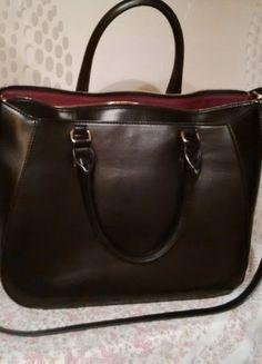Kup mój przedmiot na #vintedpl http://www.vinted.pl/damskie-torby/torby-do-reki/13739857-czarna-elegancka-torba