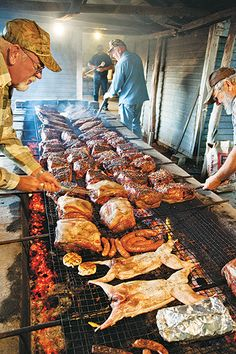 We weren't looking for just any barbecue restaurants. We had no interest in places that used electric or gas-fired barbecue ovens. Pit Bbq, Barbecue Grill, Barbecue Recipes, Grill Oven, Fire Cooking, Outdoor Cooking, Carne Asada, Texas Bbq, Texas Brisket