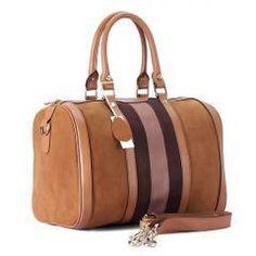 Στο Gynaikeia.com μπορείτε να βρείτε γυναικείες τσάντες απο τα μεγαλύτερα brands! Εντυπωσιάστε με τις εμφανίσεις σας με μια πανέμορφη γυναικεία τσάντα Louis Vuitton Speedy Bag, Gucci, Handbags, Boston, Summer, Fashion, Moda, Totes, Summer Time