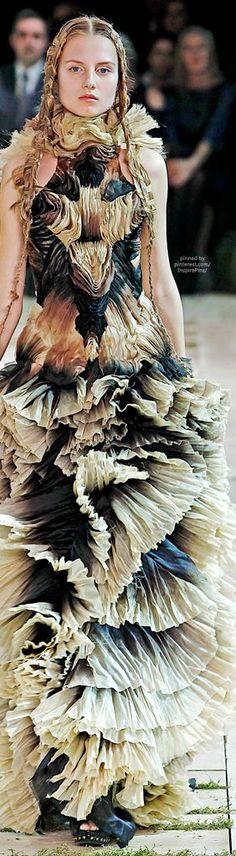Alexander McQueen Spring 2011 Ready-to-Wear #alexandermcqueenreadytowear