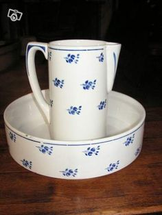 antique wash bowl basin and pitcher