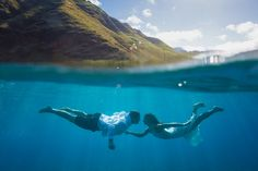 Underwater engagement photography session on the island of Oahu. #capturinghawaii #Underwaterphotography