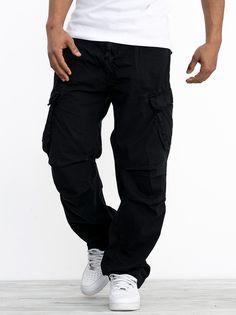 Zobacz Lifter Cargo Black marki Southpole w kategorii Spodnie w UrbanCity.pl! Spodnie marki Southpole - Szeroki krój spodni - Dwie boczne kieszenie typu cargo - Sznurki ściągające w nogawkach - Parciany pasem dodany w pasie - Żakardowe metka z tyłu spodni Materiał: 100% bawełna Krój: Baggy Fit Model Stanferd [85kg, 185cm] ma na zdjęciu rozmiar 34