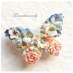 蝶々のバレッタ、大きいサイズです。 こちらもオーダーの作品です。ブルー〜ピンクのグラデーションがとても素敵で気に入っています♡ #レース編み #crochet #butterfly