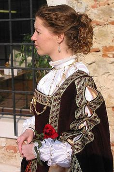 Isabella of Portugal  Detail of pearls applications on camicia and sleeves. Costume after Tizzian portrait (1548).