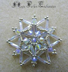 Beaded Christmas Decorations, Beaded Ornaments, Xmas Ornaments, Ornament Tutorial, Necklace Tutorial, Jewelry Patterns, Beading Patterns, Crystal Snowflakes, Beaded Snowflake