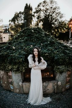 lace and furs from this dark winter wedding inspo| Image by Yeray Cruz