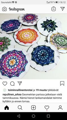 Weaving For Kids, Hand Weaving, Home Schooling, String Art, Lana, Crafts For Kids, Decorative Plates, Christmas, Activities