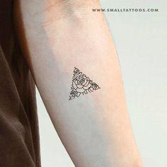 Fine Line Rose Triangle Temporary Tattoo (Set of – Small Tattoos Arm Cuff Tattoo, Tattoo Off, Back Tattoo, Large Tattoos, Fine Line Tattoos, Rose Tattoos, Body Art Tattoos, Tattoo Drawings, Tatoos