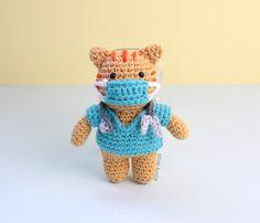 Free Nurse Cat Stuffed Animal Amigurumi Crochet Pattern Mask On Crochet Animal Amigurumi, Amigurumi Doll, Crochet Animals, Crochet Toys, Free Crochet, Cat Crochet, Nurse Cat, Crochet Dolls Free Patterns, Amigurumi Patterns