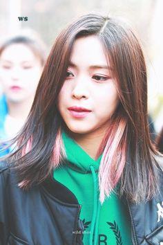 South Korean Girls, Korean Girl Groups, Korean Princess, New Girl, Women, Kpop, Bias Wrecker, Nayeon, Jin