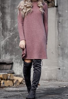 A Casual Dress for the Holidays | WEARFATE by Mollie Moon | A Fashion Blog