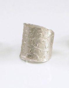 Corset ring by 2012 Circle Craft Christmas Market Exhibitor Anatbasanta Jewelry