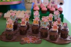 Best Party Birthday Peppa Pig 35 Ideas eppa This halloween will be a preferred pre-school Peppa E George, George Pig Party, Diy Party Decorations, Party Themes, Ideas Party, Peppa Pig Balloons, Aniversario Peppa Pig, Cumple Peppa Pig, Colorful Party