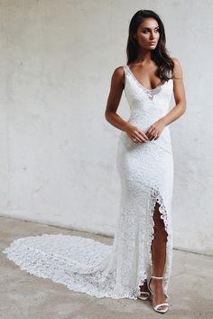 Grace Loves Lace Gia wedding dress currently for sale at off retail. Popular Wedding Dresses, Western Wedding Dresses, Sexy Wedding Dresses, Perfect Wedding Dress, Wedding Dress Styles, Boho Wedding, Bridal Dresses, Wedding Gowns, Event Dresses