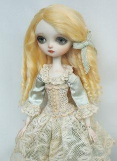 Julie - Porcelain ball jointed doll BJD - love!!