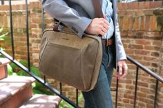 WaterField Designs unveils enhanced TSA-friendly Zip Brief — Apple World Today Leather Laptop Bag, Laptop Bags, Minimalist Bag, Messenger Bag Men, One Bag, Types Of Bag, Mens Clothing Styles, Men's Clothing, Leather Men