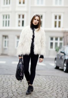 Shaggy Jacket and Dr Martens - Ingrid Holm - Norwegian fashion blogger - Fashionhyper