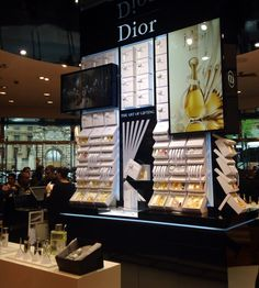The art of gifting, Dior. Paris