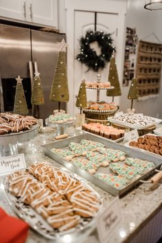 Cookies and Milk Santa Christmas Party Christmas Party Ideas For Teens, Christmas Date, Adult Christmas Party, Christmas Feeling, Xmas Party, Holiday Dinner, Santa Christmas, Winter Christmas, Holiday Parties